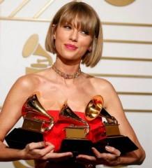 Taylor_Swift_Grammys_2016-620x412